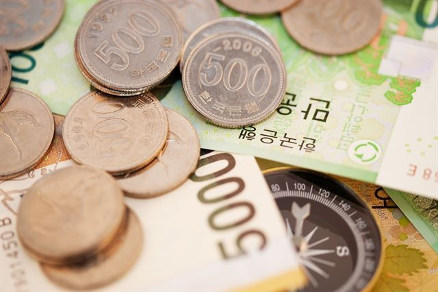 한국 소득 불평등 세계 2위…상위층 10%에 전체 富 45%