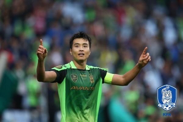 기로에 선 'K리그 영웅' 이동국, 과연 올 시즌 끝으로 은퇴할까