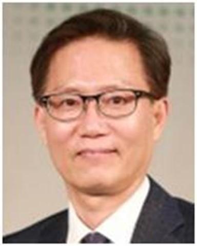 [김비환 칼럼] 촛불정신, 욕망의 사회, 그리고 정치