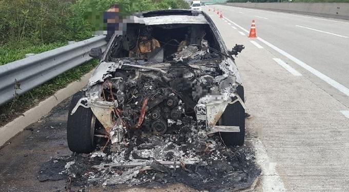달리던 BMW 520d 또 화재