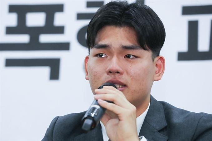 그룹 '더 이스트라이트' 폭행 파문