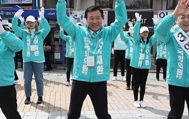 '서툴러도 열심히' 춤추는 손학규