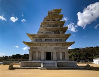 새 단장 끝낸 '미륵사지 석탑'