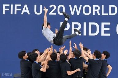 '금의환향' 돌아온 U-20 태극전사