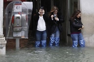 53년만에 최악홍수 맞은 베네치아