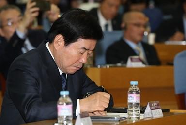 [이영성 칼럼] '김진표 논란' 유감