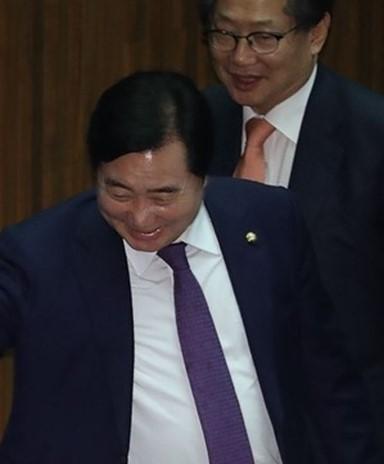 [지평선]  '하수' 강금실 '고수' 추미애