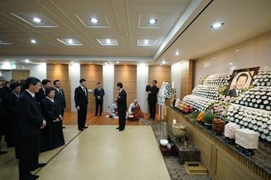 [지평선] 재계 1세대의 일본 인연