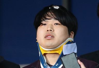 딱 한 마디, 그리고 꾹 다문 입 '박사방' 조주빈 얼굴 공개 현장
