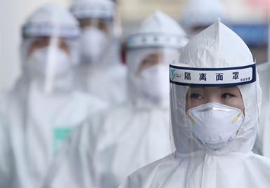 불량 많다는데… 중국산 안면보호대 쓴 우리 의료진