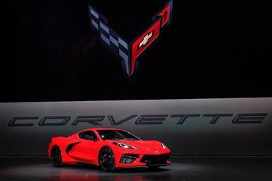 아메리칸 퍼포먼스 아이콘, 쉐보레 콜벳 스팅레이 & 포드 머스탱 쉘비 GT350/GT500