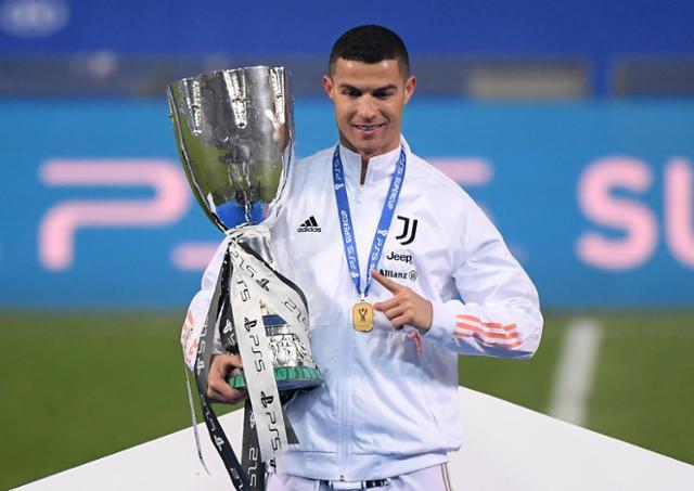 호날두, 총 760 골 기록 … 유벤투스 9 번째 슈퍼 컵 우승