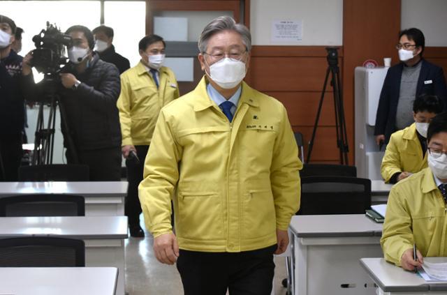 이재명 대통령 후보 지지율 솔로 … 이낙연, 윤석열 2 배 이상