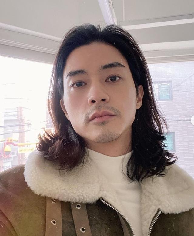 """김지훈, '클럽 하우스'폭발에서 """"만연한 자존감 부족""""발언"""
