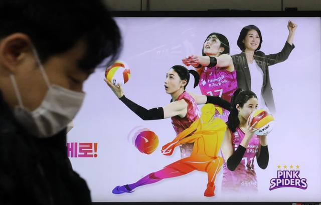 '쌍둥이 갱스터'위기에서 팬들의 분노가 사라지지 않는 3 가지 이유