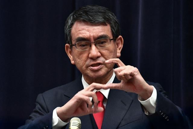 """화이자의 일본 백신 협상 서한, """"총리가 아닌 총리에게 가자"""""""