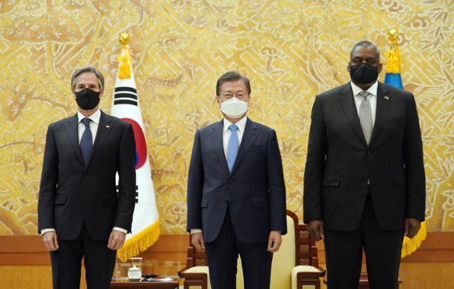 """문 대통령은 미국 안보 투탑에서 처음으로 """"북한의 완전한 비핵화""""를 내놓았다"""