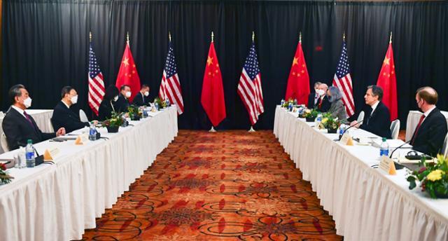 미국과 중국의 알래스카 회담은 합의없이 냉정하게 끝납니다