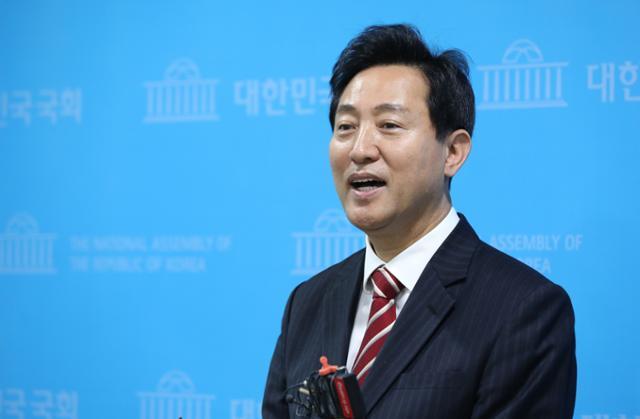 오세훈, 안철수 수상 … 박영선 서울 시장, 야당 단일 후보로 선정