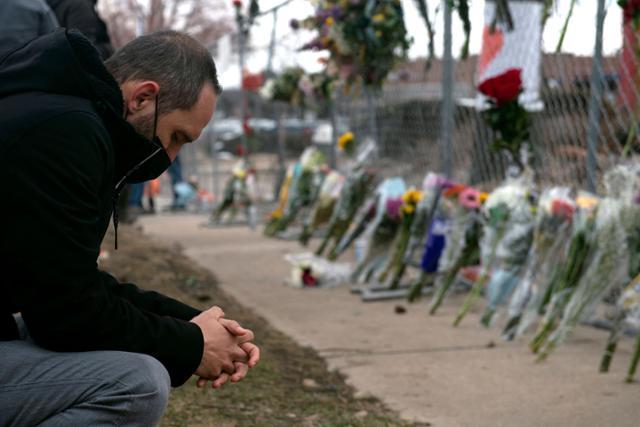 애틀랜타와 콜로라도 비극, 총기 규제 개혁을위한 Biden의 힘