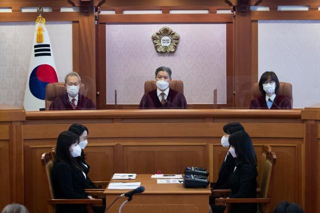 임성근 전 판사 … 1 차 판사의 탄핵 심판이 막 올라 섰다