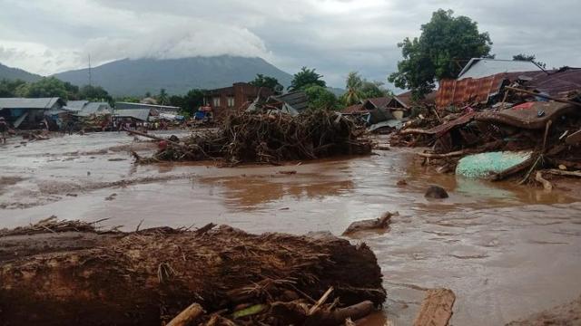 """동 티모르, 인도네시아 동쪽 섬 91 명이 폭우로 사망, """"피해 증가 가능성"""""""