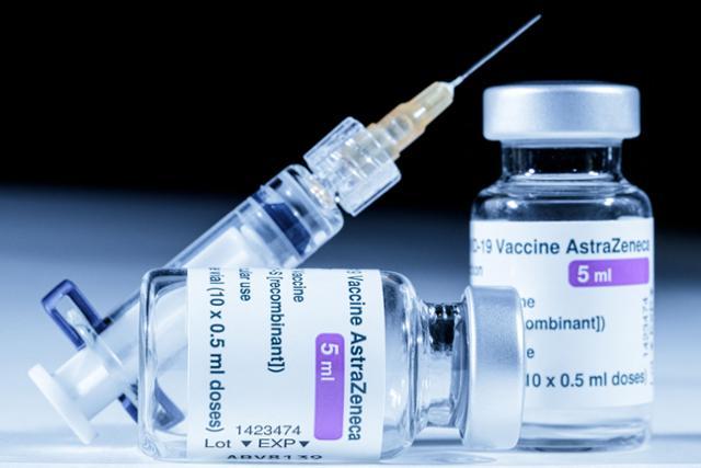 """유럽의 약국 고급 """"AZ 백신과 혈전 관련"""""""