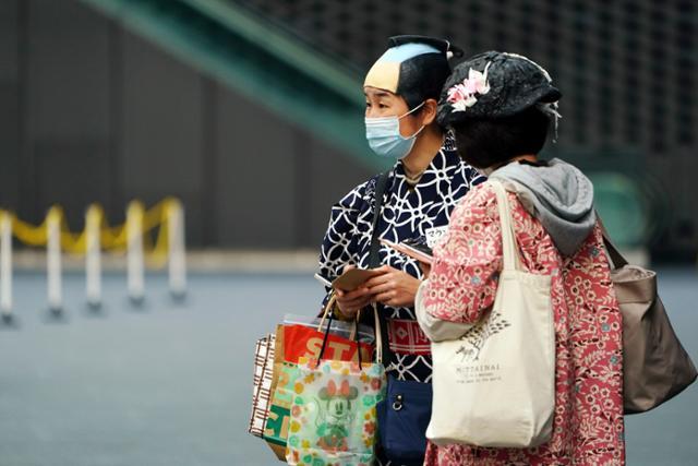 """코로나 재 확산 일본, 도쿄, 교토, 오키나와에""""중요 조치 """"적용"""