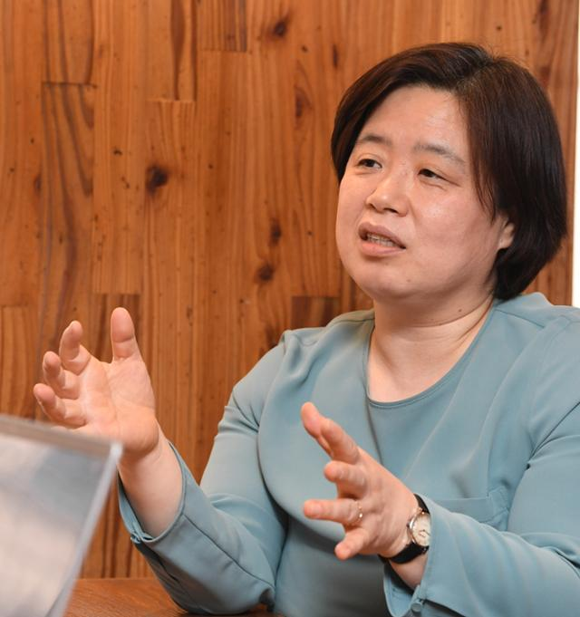 지난달 22일 서울 정의당 당사 인근 카페에서 배복주 정의당 부대표가 한국일보와 인터뷰를 하고 있다. @배우한 기자